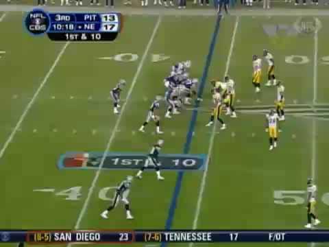 [Highlight] Tom Brady launches a 56 yard touchdown pass to Jabar Gaffney on a flea-flicker play. Announcers credit fellow receiver Donte Stallworth in error. (Week 13, 2007 season)