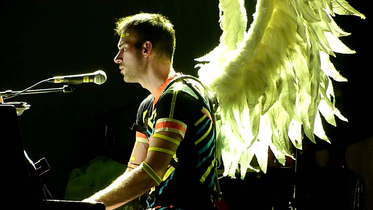 sufjan-stevens-the-owl-and-the-tanager-live-at-manchester-apollo-19-05-11-s0phie92