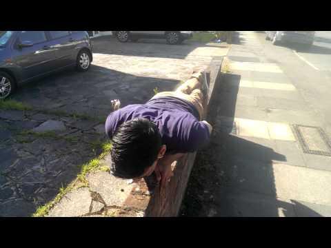 East London Calisthenics - Thin Wall Push Ups Bilo