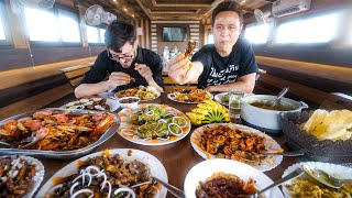 God's Own Country!! SOUTH INDIAN SEAFOOD on Houseboat | Backwaters - Kerala, India!