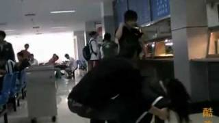 Chinese  Students Fight In The Cafeteria With REAL KUNG FU!!!