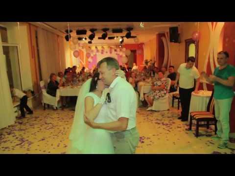 Невеста поёт трогательную песню папе - Познавательные и прикольные видеоролики