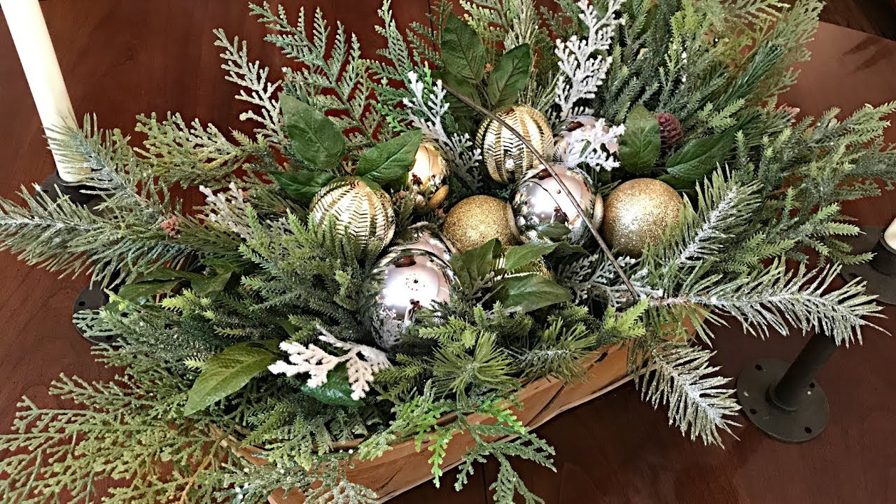 Easy Christmas Centerpiece Simple Christmas Floral Arrangement Christmas Table Youtube