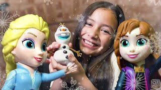 New Frozen 2 Storytelling Toys | Zoey Lives an Adventure with Elsa, Anna, and Olaf!