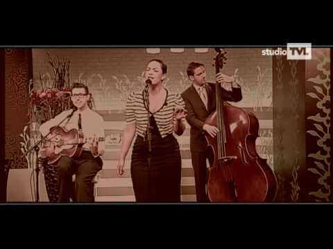 Caro Emerald - A night like this (live and acoustic)