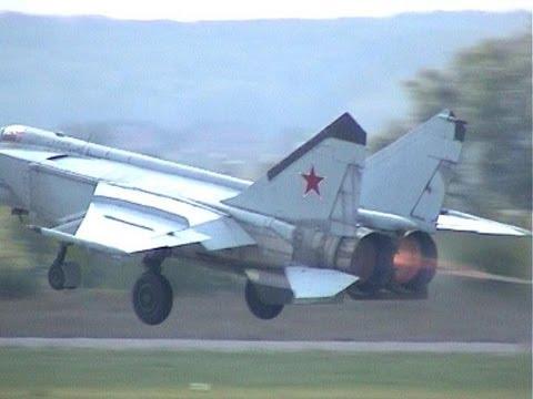 МиГ-25 МАКС 2003