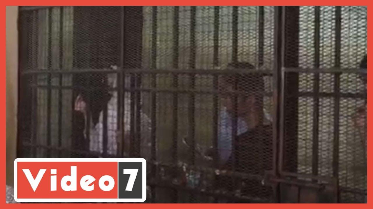 صورة فيديو : رئيس جنايات القاهرة يحذر مودة الأدهم من الطرد بسبب مقاطعة المحكمة