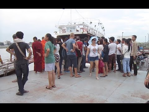 Boat tour in Phnom Penh city at Passenger & Tourist terminal