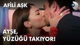Ayşe, yüzüğü takıyor - Afili Aşk 28. Bölüm