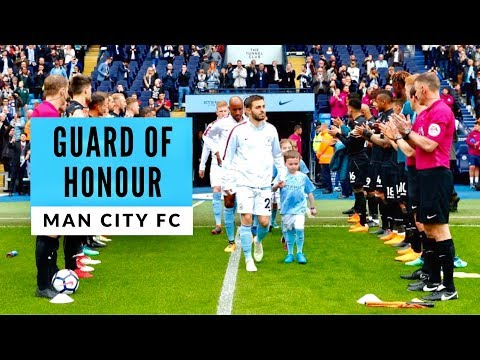 Man City vs Swansea City 🏆 Champions Guard Of Honour & Pitch Invasion! 22/04/18