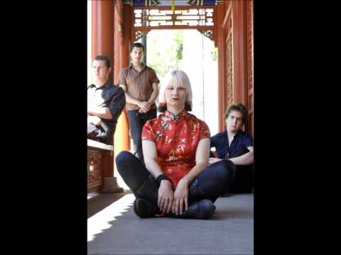 Lo And The Magnetics - Out.wmv