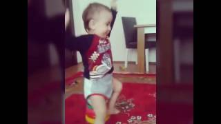 Ay elesger 2017 ( funny baby vine 2017)
