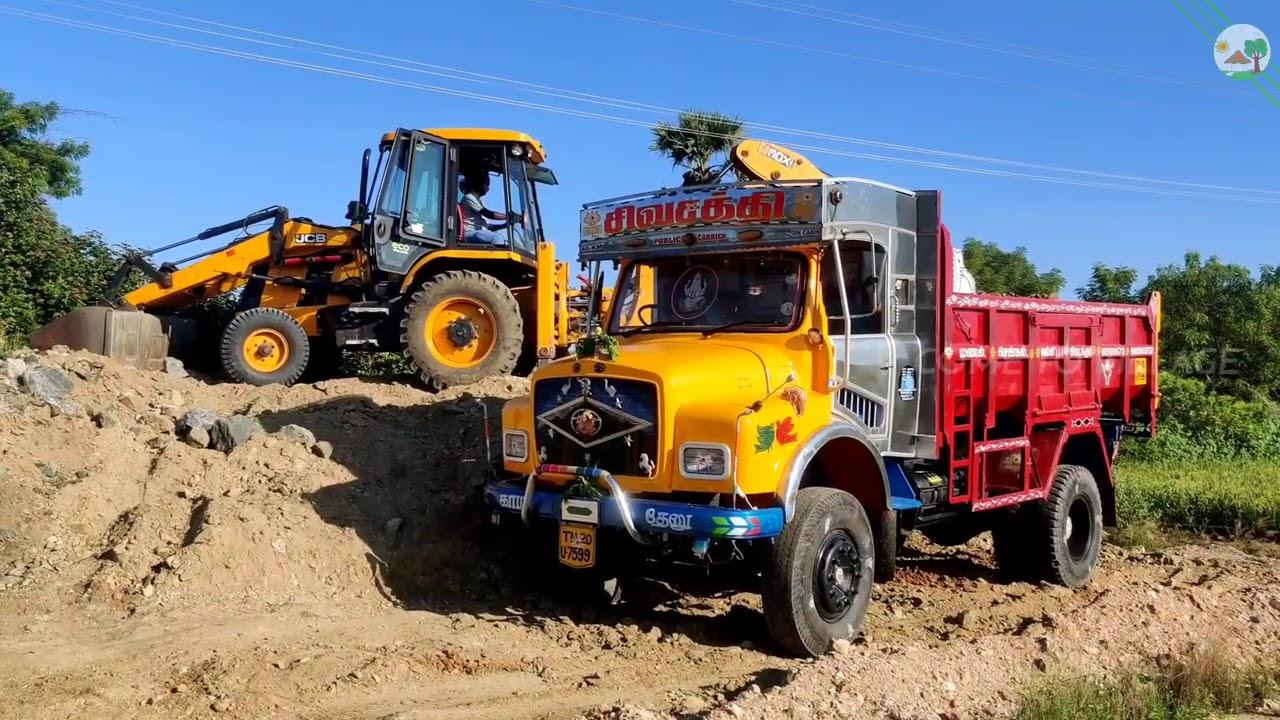 JCB Backhoe loader vs Truck | Come to Village