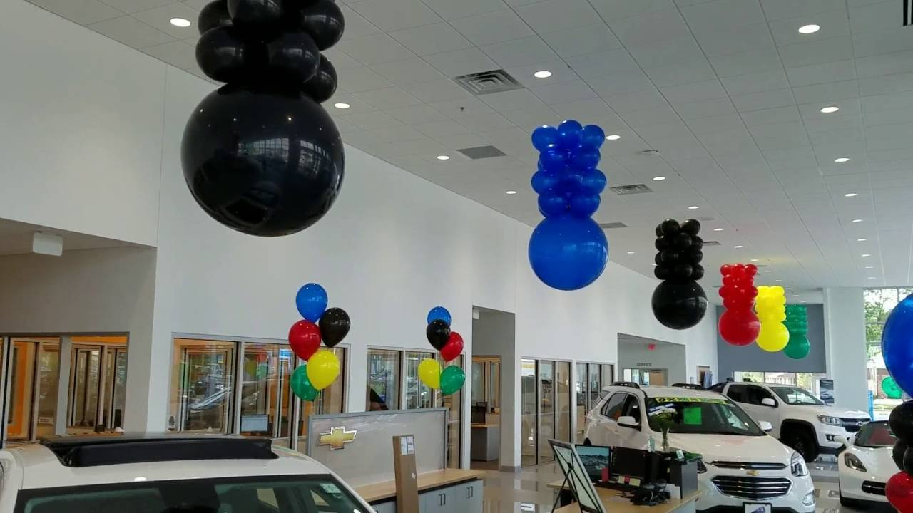Chevy olympic theme colors balloon decorations birthday for Balloon decoration ideas youtube