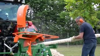 Korowanie drewna korowarką Schälprofi - profesjonalne rozwiązanie dla ogrodzenia Posch