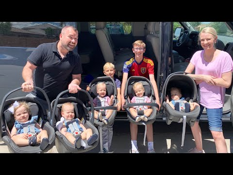 Family Travel Routine – Babies' First Time at Splash Pad – Vivi's First Haircut