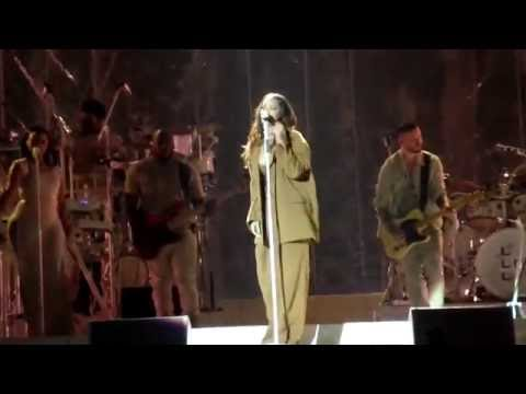 Rihanna - Love On The Brain | live ANTI...