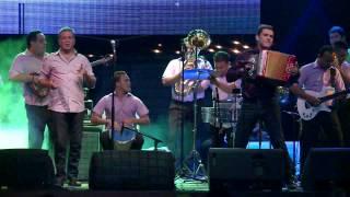La Pareja Explosiva (vivo) - Ivan Villazon y Saul Lallemand