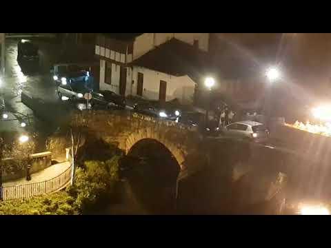 Caos circulatorio en Monforte por el despiste de un conductor que se negó a dar marcha atrás