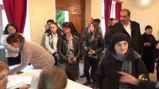 видео Голосование на избирательном участке