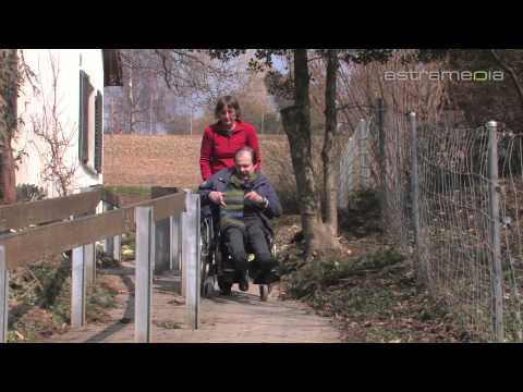 Vietnam: Förderung für behinderte Kinder/Vietnam: Support to Hearing Impaired Children von YouTube · Dauer:  7 Minuten 3 Sekunden