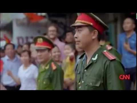 Anthony Bourdain and friend in Hanoi