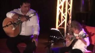 """Celeste Rodrigues e o """"pequeno  guitarrista"""" no 2 º Aniversário de  Rádio Amalia"""