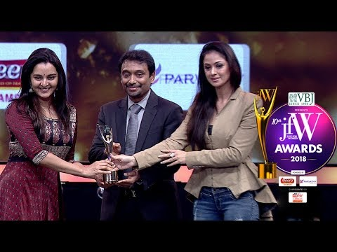 I am a Big Fan of Simran | Manju Warrier receives JFW Award 2018 from Simran