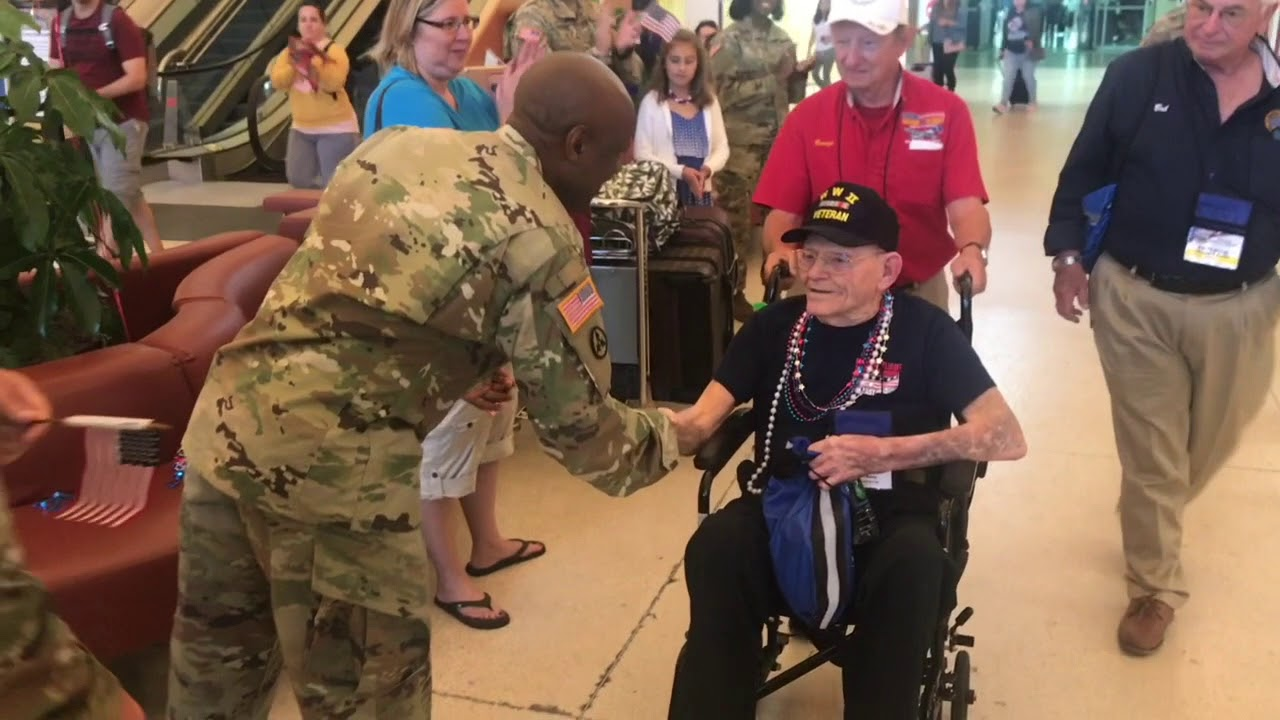 wwii-veterans-fly-in-from-florida-to-visit-national-wwii-museum