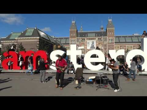 The Famous Unknowns: Carlos Vamos and Lindsay Buckland Museumplein Amsterdam