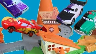 DISNEY CARS COLOR CHANGERS JUMP OVER COZY CONE LIGHTNING MCQUEEN BOOST RAMONE RACE STUNT