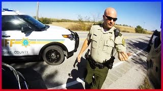 COPS VS DIRT BIKE - BUSTED BY POLICE DOING HIGHWAY WHEELIES!!