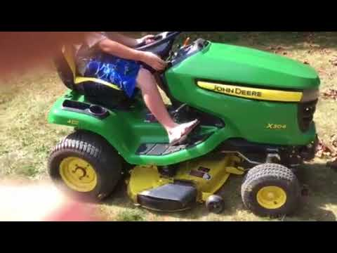 John Deere mulching kit vs mulching plug