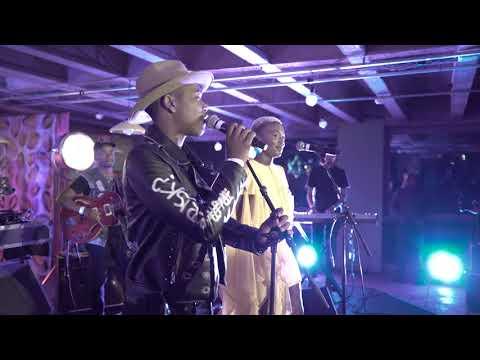 Langa Mavuso and Zoe Modiga dedicate a song to Winnie Madikizela-Mandela (courtesy of Red Bull)
