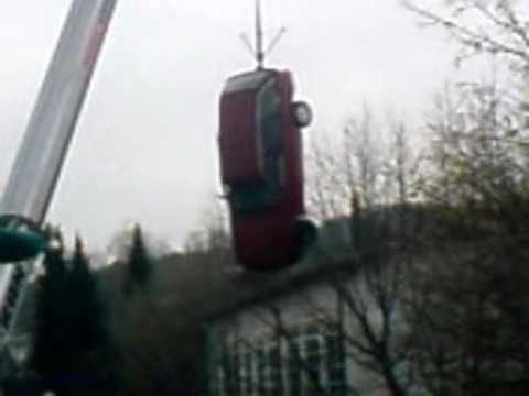 Auto fällt vom Kran - unfall simulation - YouTube
