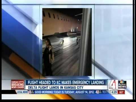 Jet bound for KC makes emergency landing