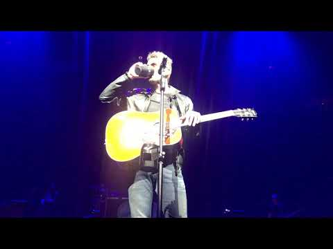 Matt and Aly - Eric Church Performs Eminem in Detroit