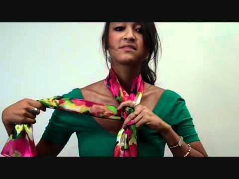 How to Tie a Scarf: Ascot Wrap