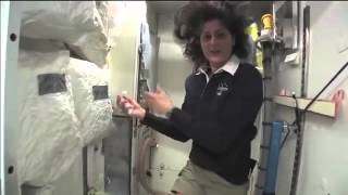 ISS Hoax Tour - Hairspray, Lies and a Pissoir. Zero G Aircraft
