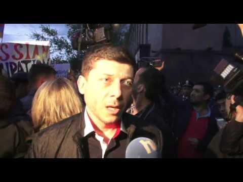В Ереване у посольства РФ начался митинг