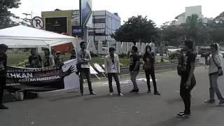 Komunitas Punk Orasi di Jalan Raya