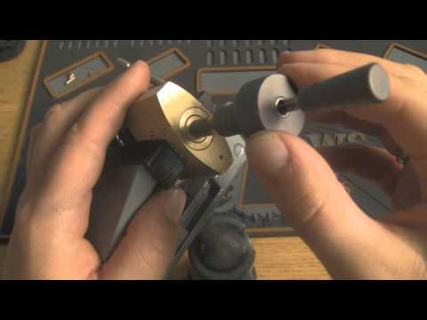 FANAL Cross padlock raked with crosslock pick