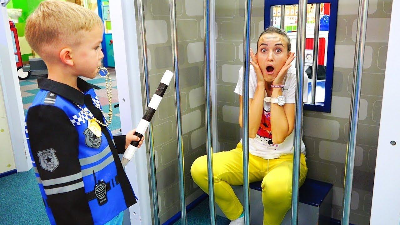 Download Vlad e Mamãe brincando no game center para crianças