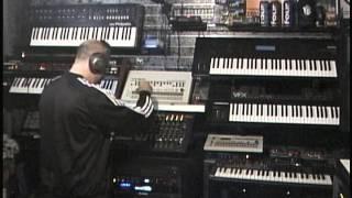 Video Roland SH-5 TR-909 Juno 60 Techno Experiment download MP3, 3GP, MP4, WEBM, AVI, FLV Agustus 2017