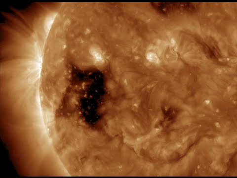 Big Sunspot, Cyclone Alert | S0 News October 29, 2015