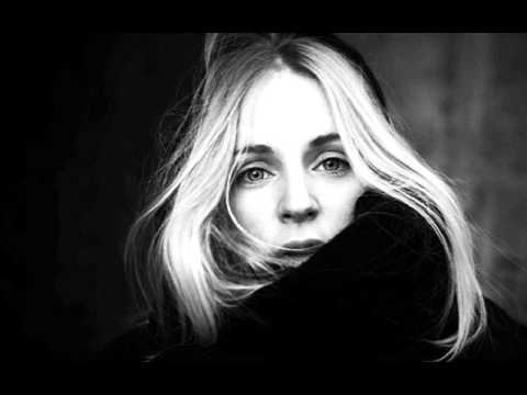 Agnes Obel  -Fuel to fire- hip hop version