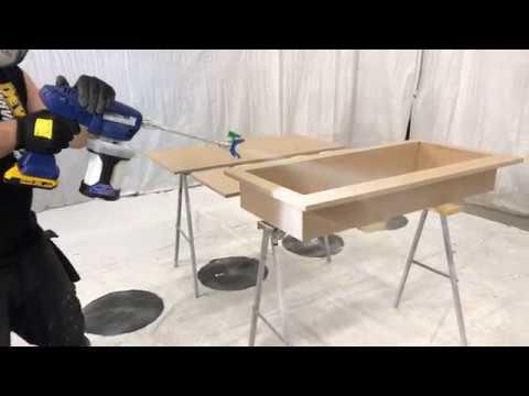 Graco Ultra akkukäyttöinen maaliruisku vesiohenteisilla maaleilla maalaamiseen