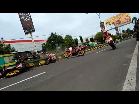 Detik-detik jatuhnya pembalap asal pangkep di Sirkuit Andi Jemma Palopo