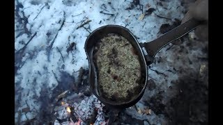 еда в лесу или приготовление лепёшки из осиновой коры