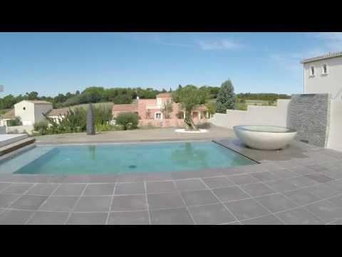 terrasse sur piscine double niveau coulissante sous la maison youtube. Black Bedroom Furniture Sets. Home Design Ideas